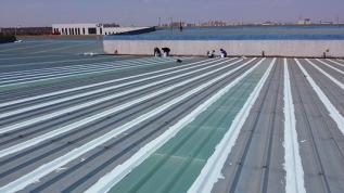 彩钢板屋面防水出现渗漏水施工步骤如下: